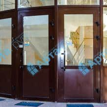 Двері з алюмінію