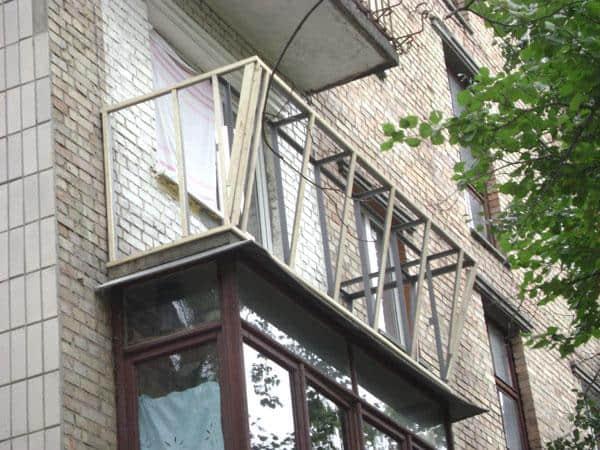 Балконные ограждения   Арта Груп - фото 1